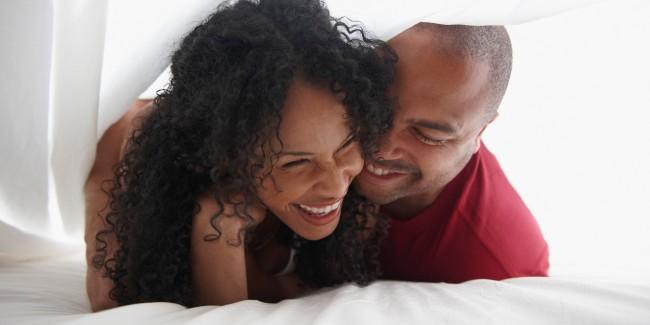 BLACK-COUPLES share joke