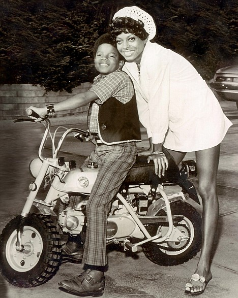 MICHAEL JACKSON AND DIANA ROSS . MICHAEL JACKSON DIED 25/6/2009
